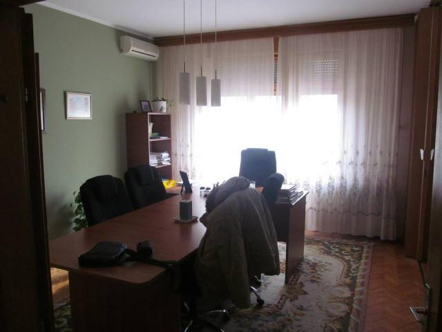 Novi Sad Centar Stari grad Four- room apartment