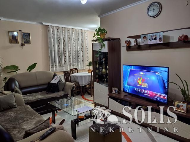 Novi Sad Nova Detelinara Four- room apartment