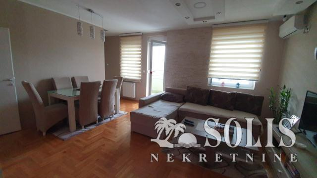 Novi Sad Telep - južni Three-room apartment